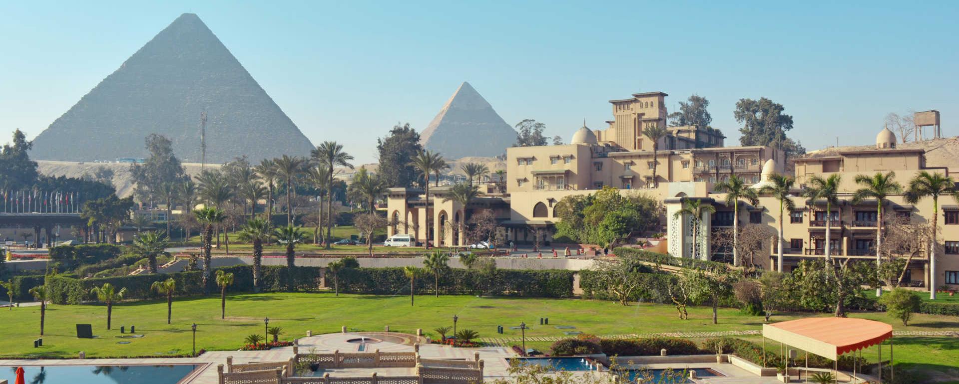 Pyramids Museum History Pharo Pharonic Egypt Cairo Luxor Aswan Nil Papyrus Perfume Shopping Kartush Gold Silver Treasure Museum Mask