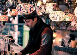 Shopping Sales man Souvenir Hediye Gift Bazaar Cheao Expensive Oriental